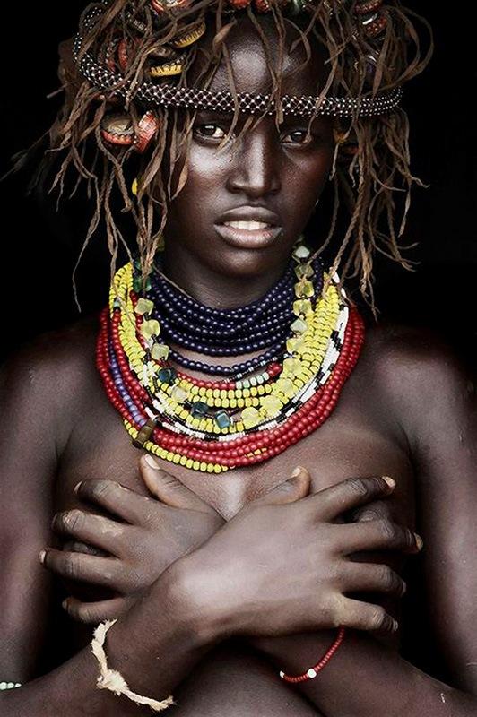 Young women of Daasanach tribe - photo by Mario Gerth